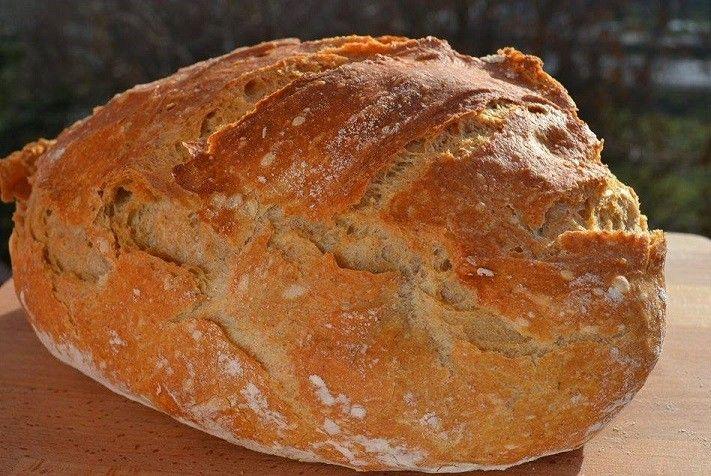Készítsetek dagasztás nélküli kenyeret .  Sokan mondták, hogy ha valaki egyszer kenyeret süt, akkor nehéz  lesz megállni, hogy újabbat ne süssön az ember , valahogy…