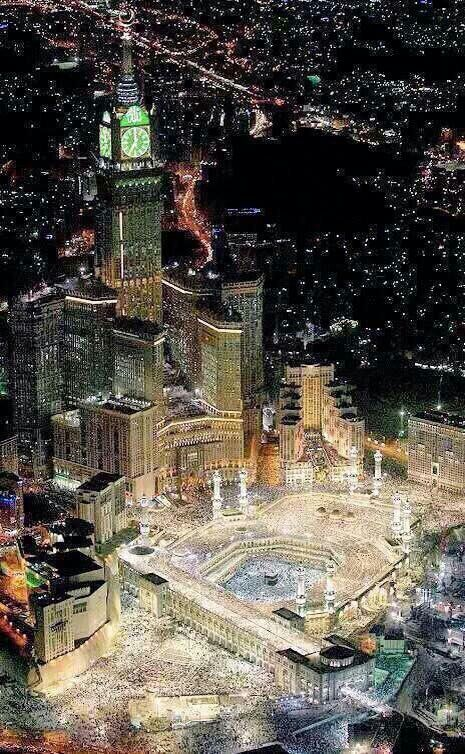 Why are muslims in #mecca_live story circulating the huge black square? Get a clear answer from here: http://edialogue.org/index/en-plc-1