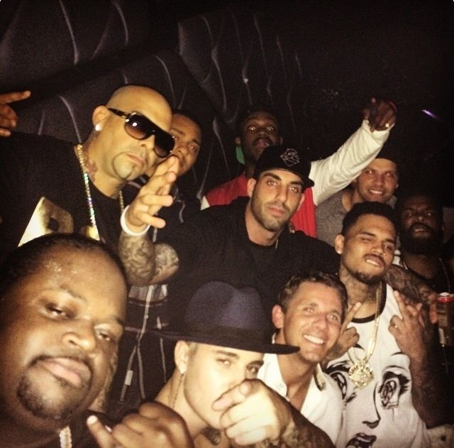 Justin Bieber & Chris Brown Clubbing In Nightclub Bootsy Bellows