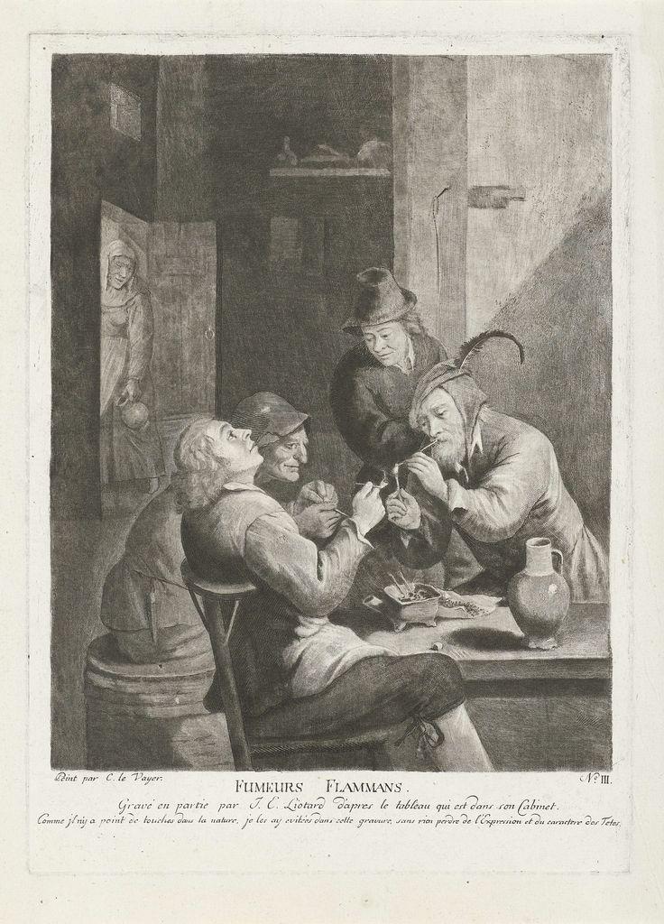 Jean-Etienne Liotard | De Vlaamse rokers, Jean-Etienne Liotard, 1779 - 1783 | Een herberg met een groep van vier mannen rond een tafel, drie zitten en roken een pijp. In de deuropening staat een vrouw met een kruik in haar hand.
