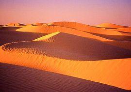 a tataouine en tunisie, le nord du sahara nous offre ses larges étendues
