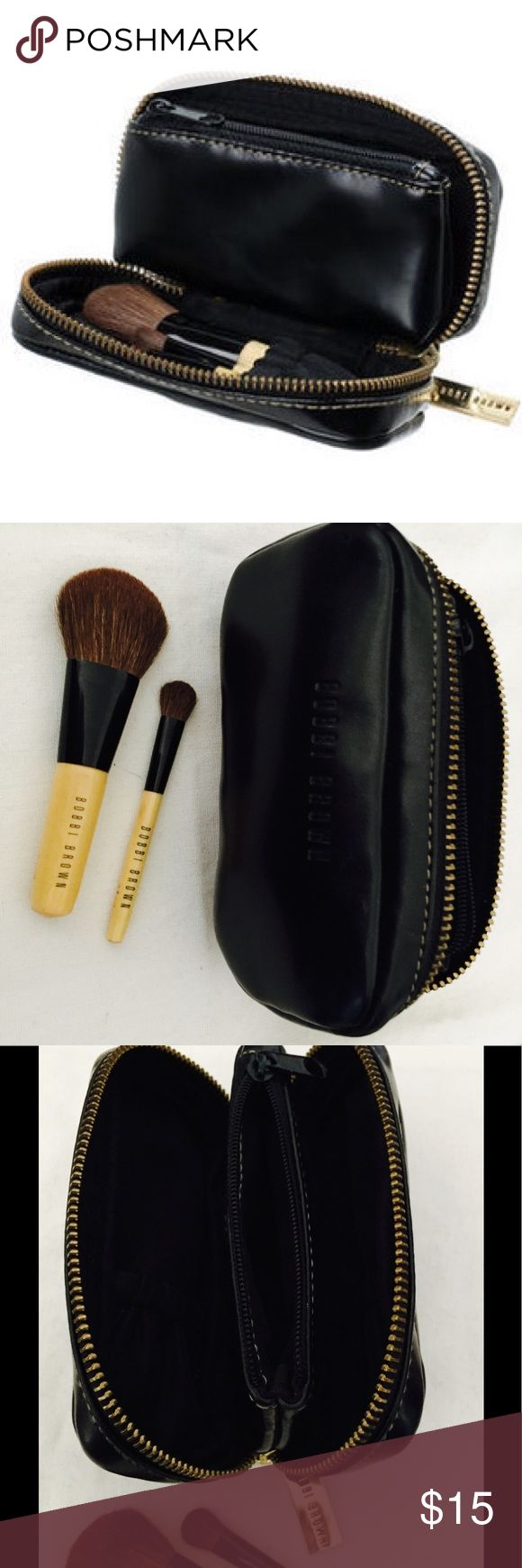 Bobbi Brown Case with Mini Brush Set Bobbi Brown Mini Brush Set: Blush Brush + Eye Shadow Brush + Black Case  2pcs+ 1case This has been rolling around in my makeup drawer for a while. The brushes have not been used. Bobbi Brown Makeup Brushes & Tools