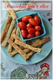 Any secret...: Stuzzichini con feta ed olive nere con esuberi di pasta madre