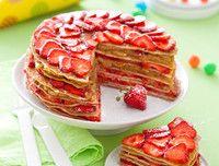 gateau-de-crepes-fraises-rhubarbe