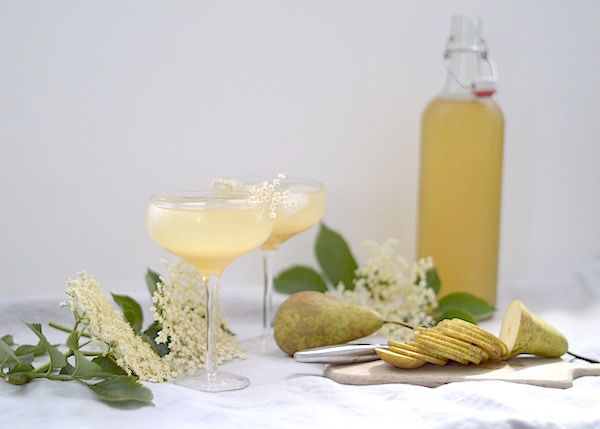 LapinBlu | Elderflower Syrup, Vanilla Pear Champagne Cocktail… | http://www.lapinblu.com
