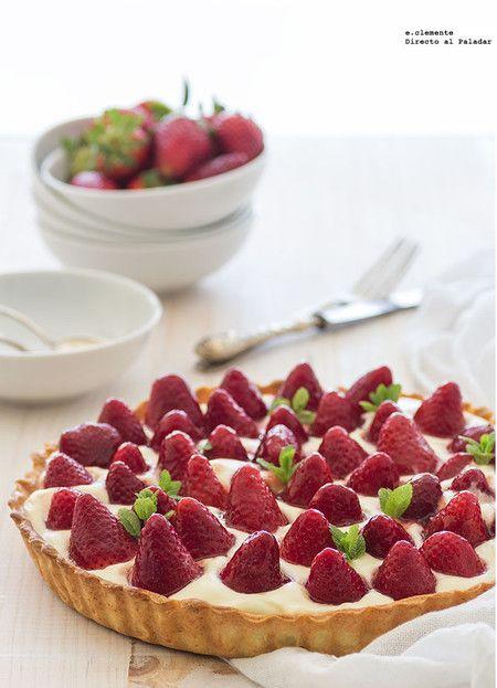 22 irresistibles recetas de tarta de fresa para celebrar su temporada Fruit Recipes, Desert Recipes, Sweet Recipes, Cake Recipes, Queen Cakes, Luxury Food, Fancy Desserts, Crazy Cakes, No Bake Cake