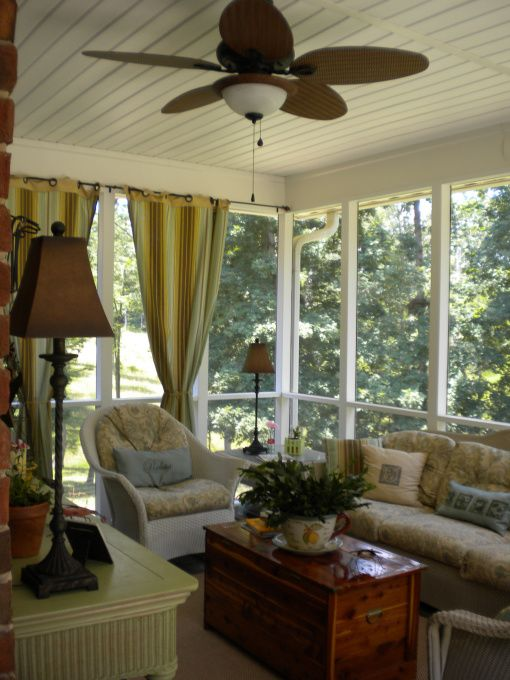 Decorating ideas for screened lanai for Screened in porch lanai