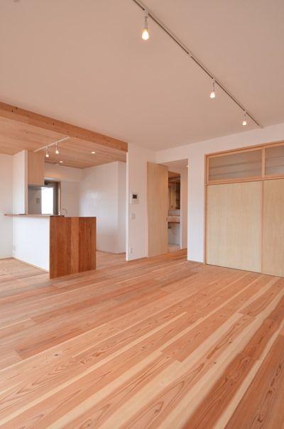 天井少し下げて、ダクト通して板張りはどうか? 完成写真でみる設計のポイント | 木のマンションリフォーム・リノベーション-マスタープラン一級建築士事務所