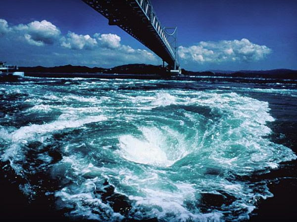 JAL - 絶景コレクション:徳島県 鳴門海峡/渦潮 (JAL旅プラスなび)