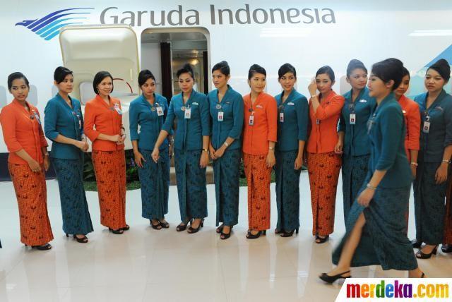 Setiap tiga bulan Garuda Indonesia mendidik para calon pramugari secara reguler dengan masa pendidikan selama 3 bulan.