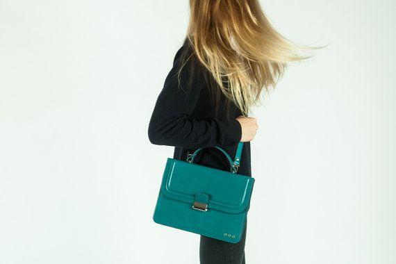Messenger bag, grain leather