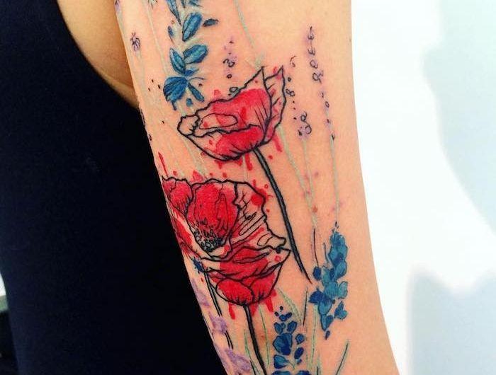 Tattoos Blumen Frau Mit Grossem Mohnblumen Tattoo Am Arm Mohnblumen Tattoo Blumen Tattoo Blumen Tattoo Ideen