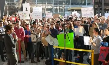 Google Workers Stage Large-Scale Walkout To Protest Trump's Executive Order On Immigration | The Huffington Post