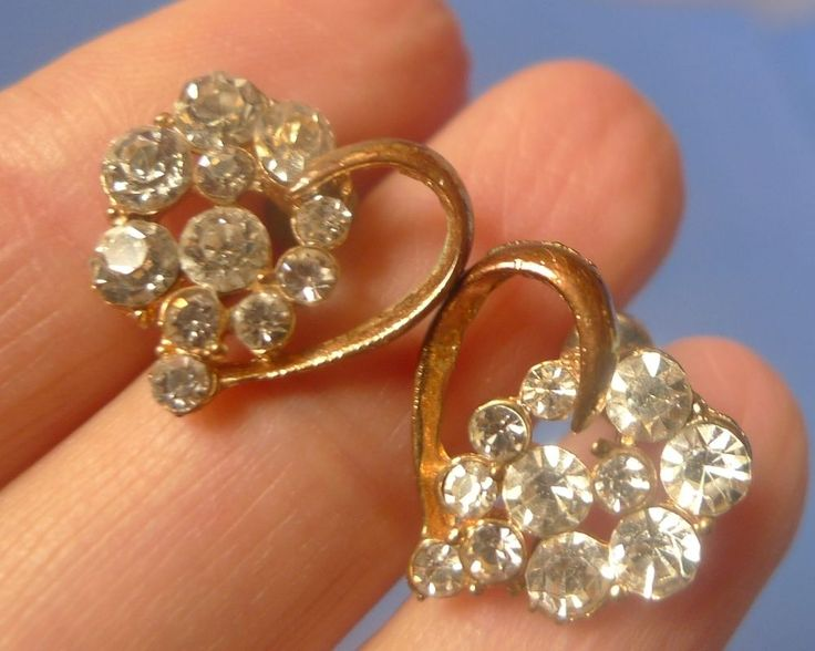 Vintage Jewelry Bijoux EARRINGS Heart Goldplated White rhinestones crystal glass