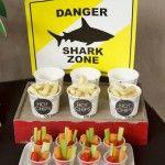 """Paquinha fofa de """"Perigo"""" e comidinhas saudáveis na festa do tubarão"""