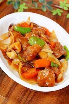 楽天が運営する楽天レシピ。ユーザーさんが投稿した「超かんたん♪中華の定番「酢豚」…味は保証付き」のレシピページです。お肉を揚げ焼きにすることで、面倒な油の処理をカットでき、おまけにこの調理法だとカロリーも大幅にカットできました。それでも…(♪)味は保証付きですよ。。酢豚。豚固まり肉,椎茸,人参,ピーマン,玉ねぎ,塩コショウ,*(甘酢)ケチャップ,*(甘酢)醤油,*(甘酢)酢,*(甘酢)砂糖