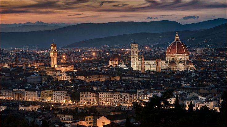 https://flic.kr/p/rBMfQr   Florence by night   ____________________________________________  Copyright © 1979-2015 Marco Francini ___________________________________________  Firenze Toscana Italia ___________________________________________