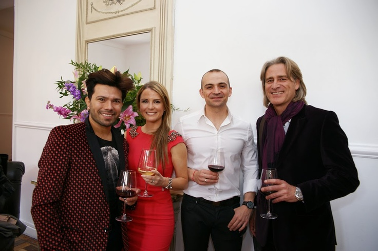 Algunos de los amigos que acompañaron a Ivonne Reyes en la presentación del perfume IR by Ivonne Reyes