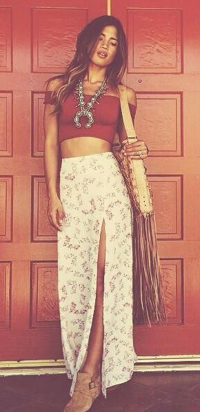 summer boho outfit. split maxi skirt. crop top.