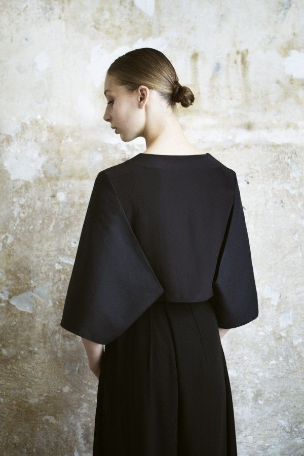 Minimal Fashion - black; clean sharp lines; elegance in simplicity