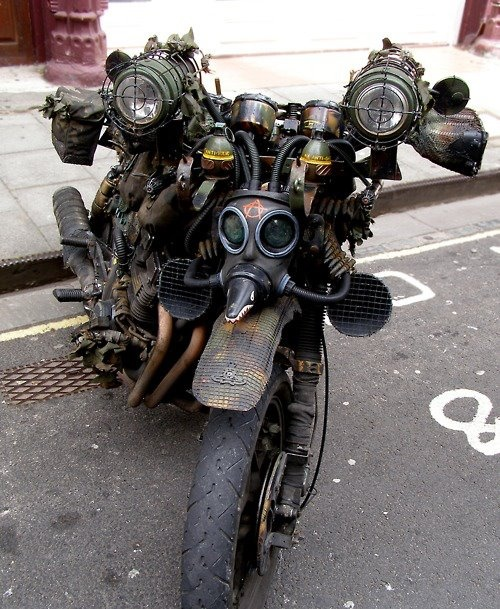 Almost a Steam Punk look to this Rat bike.