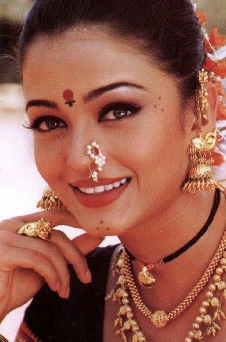Les 25 meilleures id es de la cat gorie actrices indiennes - Aishwarya rai coup de foudre a bollywood ...