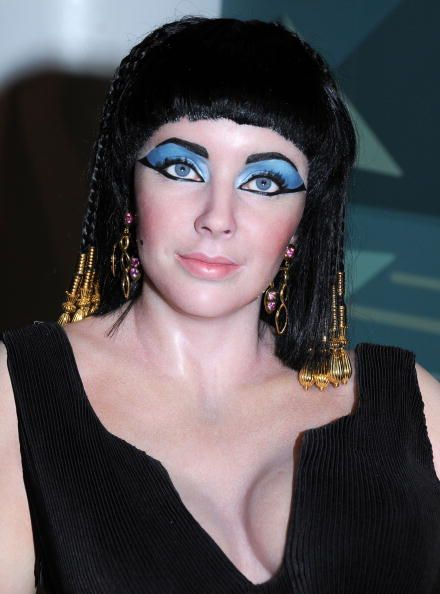 Madame Tussauds Wax Museum Hollywood Preview Elizabeth Taylor  As Cleopatra Pictures and Photos | Getty Images