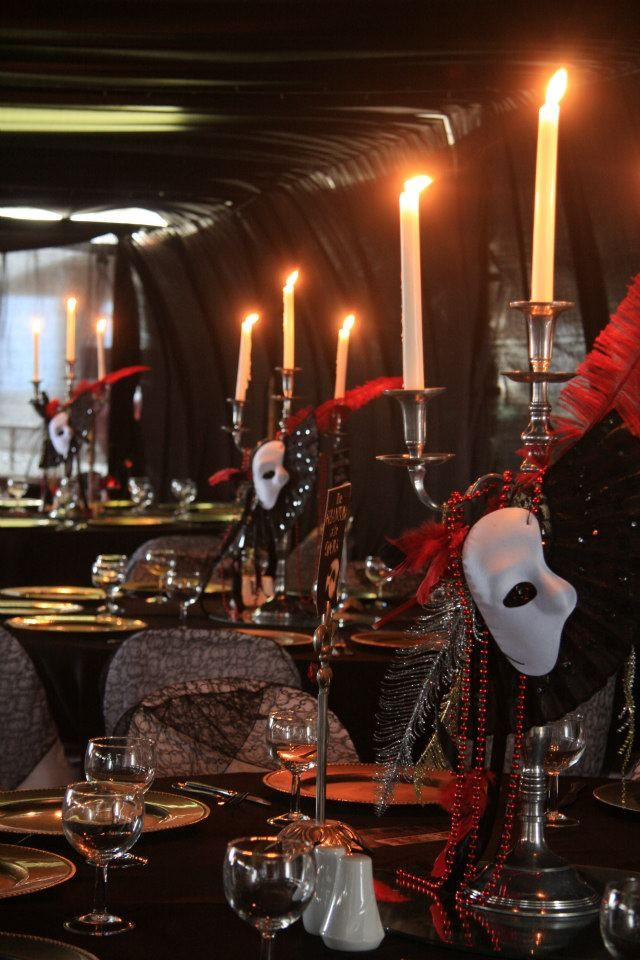 Ever since I did a Masquerade Ball Quinces, I've been dying to do a Phantom Of The Opera event!
