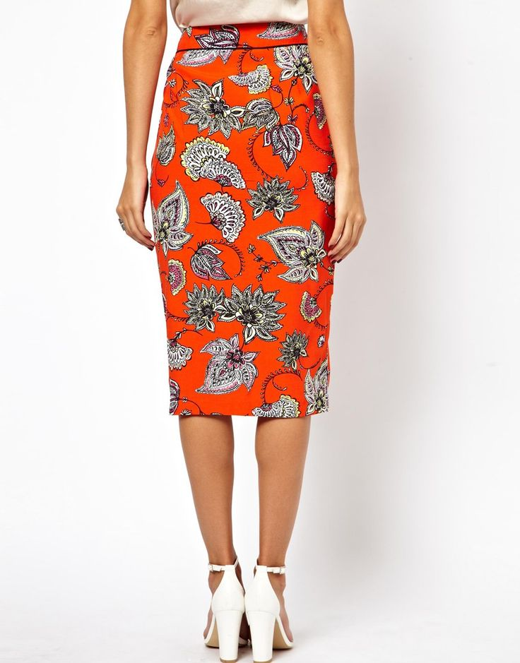 Pencil Skirt in Bold Floral with Centre Front Split •	Made from a silky fabric •	High-rise waistband •	Centre front split •	Floral print throughout •	Regular fit Patterned Skirts, Embellished Skirts and Funky Skirts #fashion #beauty #skirts #clothing #apparel #HotMomma #HauteMomma #LifestyleMom #fashionmoms