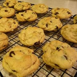Mom's Chocolate Chip Cookies (made with vanilla pudding mix!)