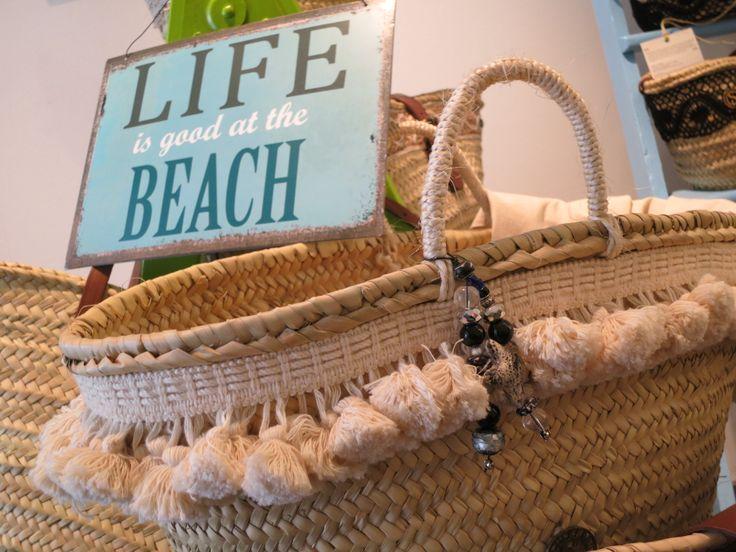 Descubre los #capazos de playa #SOLAMANTE en http://solamante.es, sigue tu estilo.