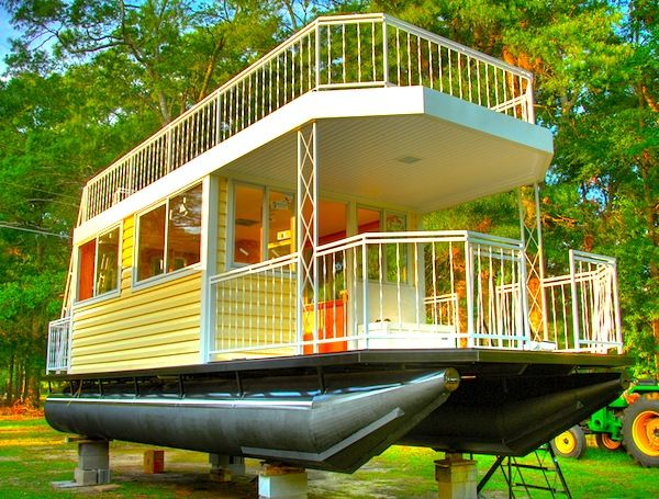 Epic 30′ Tiny House on Pontoons with Upstairs Deck