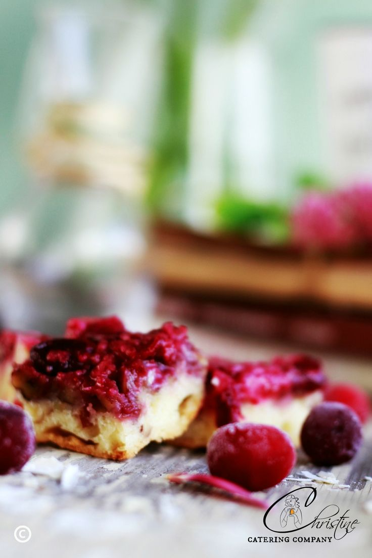 YUMMY CRANBERRY BARS! http://www.christinecatering.com/desserts---cakes.html