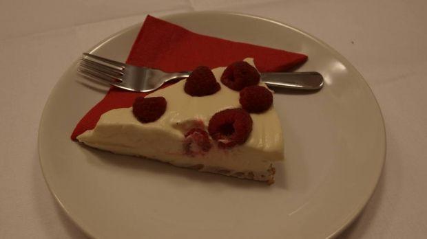 Sýrový koláč s bílou čokoládou a malinami | IN-MAGAZÍN
