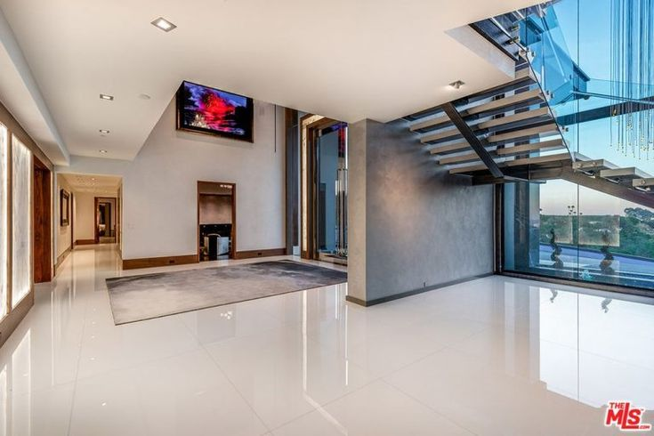 31000 sq ft 12 bed 24 bath california mansion with