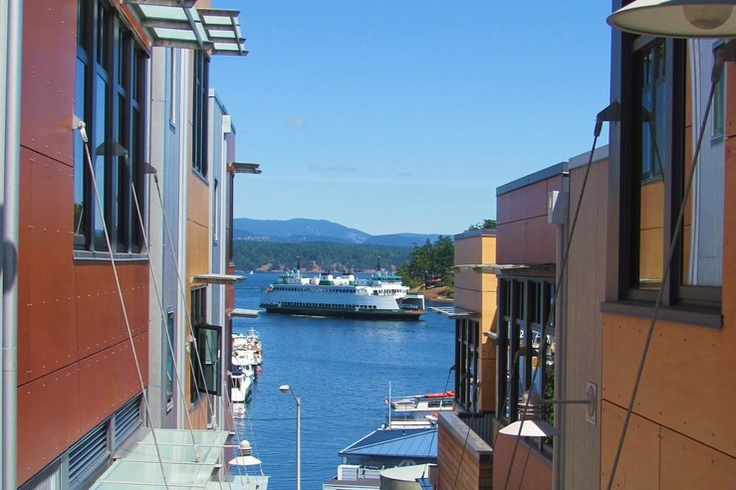 Ferries docking outside The Island Inn at 123 West, Friday Harbor, WA