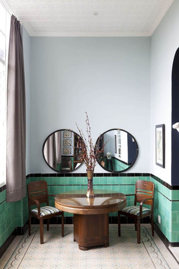I love these two mirrors side by side like this. Editorial Jean Michel Ruis (Foto: Filippo Bamberghi)