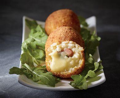 Pancetta and Mozzarella Stuffed Risotto Balls (Arancini) with Tre Stelle® Mozzarella and Parmesan Cheese #risotto #appetizer