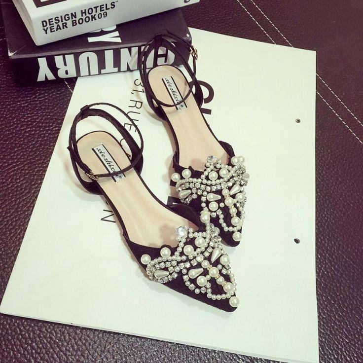 2017 Hot Sale Summer Fashion silver Slippers Women Sandals luxury pearl rivet flat shoes flip flops Women Wedge low heel Sandals