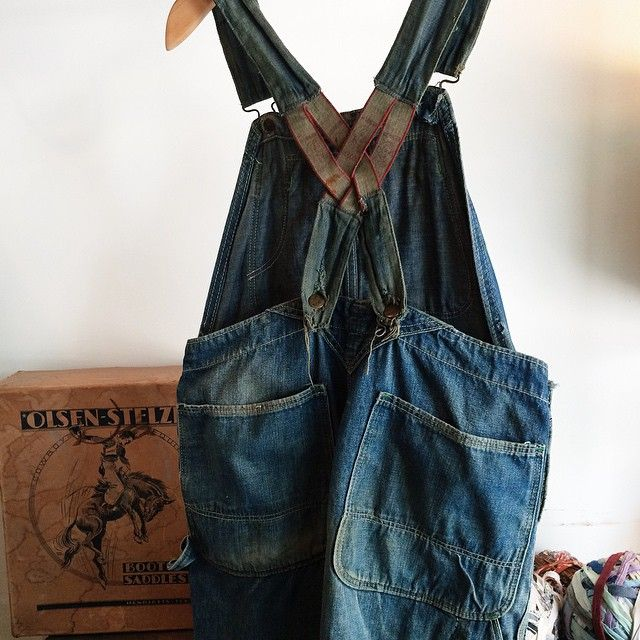 Some of my most recent finds going on the etsy store tonight including these #denim #overall shorts plus more ! #raggedythreads