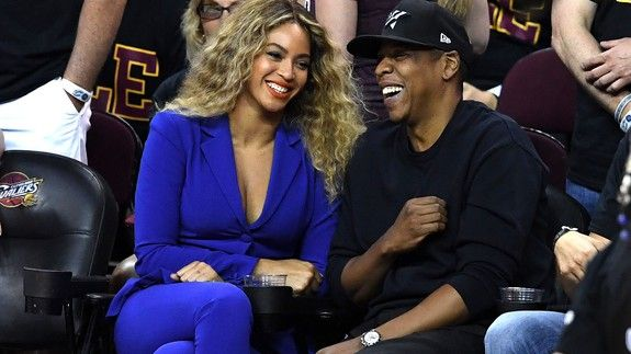 Beyoncé's mom just shared a perfect throwback photo to celebrate Bey and Jay's anniversary
