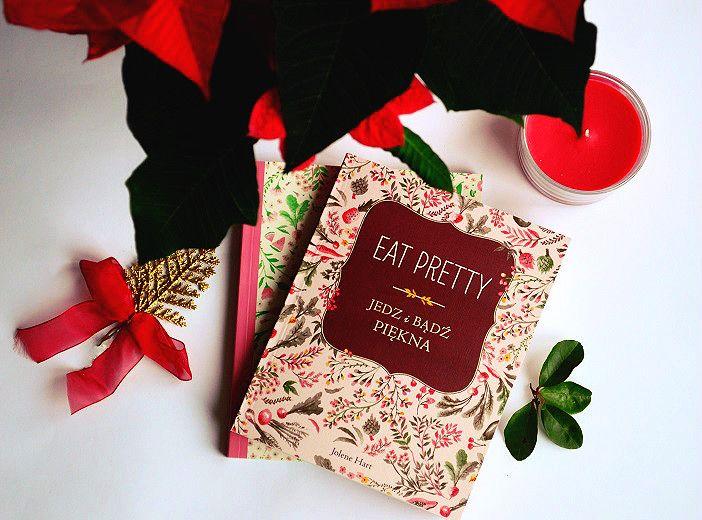 """Na dworze siarczysty mróz, a ja, korzystając z chwili relaksu, pogłębiam swoją wiedzę o urodzie zgłębiając tajniki nowej filozofii piękna """" Eat Pretty. Jedz i bądź piękna """" Jolene Hart :) W zestawie z książką jest """" Twój osobisty kalendarz piękna """" Wydawnictwo Znak. Zapowiada się pięknie, zdrowo i pysznie! Miłego dnia!"""