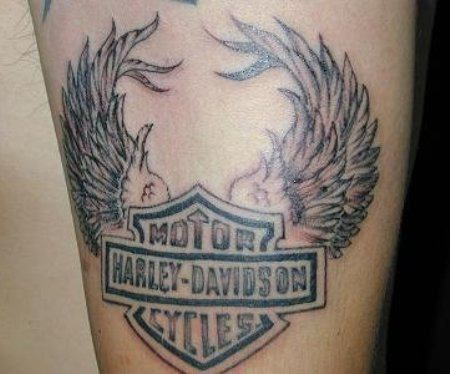 Harley davidson pin up tattoos wings motorcycle tattoo for Free harley davidson tattoo designs