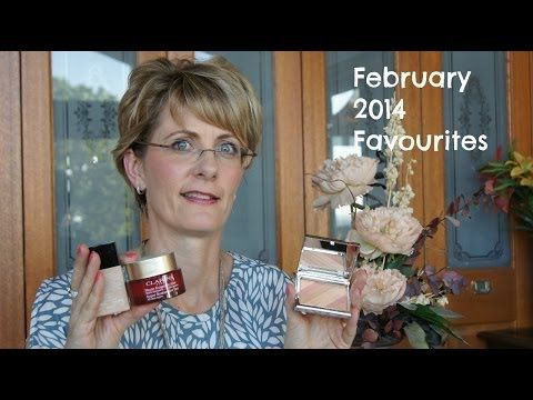 February 2014 Favourites - YouTube Kate wasn't a huge wearer of bronzers but the ELES Bronzer in Rio de Janeiro became an instant favourite!   http://bit.ly/1gkoGbq #ELES #ELESCosmetics #cosmetics #mineral #makeup #natural #beauty #summer #february #favorite #RiodeJaneiro #contour