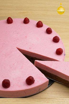 Ganz steirisch gehalten wird diese Kürbis-Himbeer-Torte mit Kürbiskernmehl zubereitet. Eine Creme aus Himbeeren und Joghurt und schon kann das glutenfreie Schlemmen beginnen.