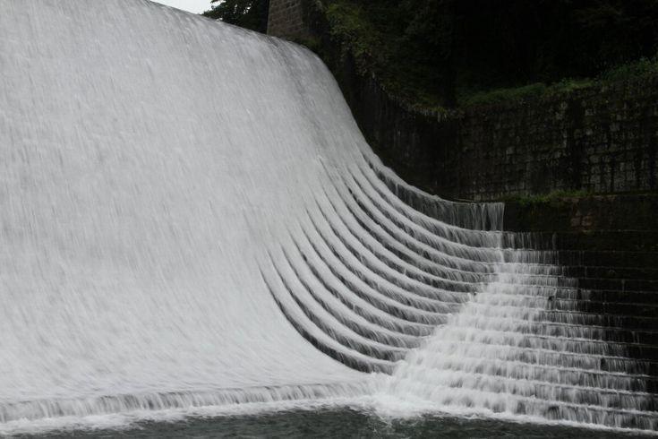 七ツ森古墳の彼岸花開花状況と白水ダム