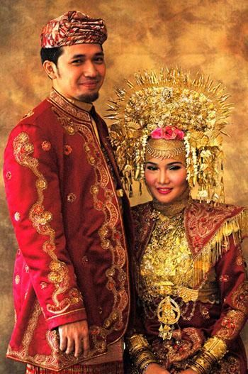 Bride and bridegrom from Padang, West Sumatra