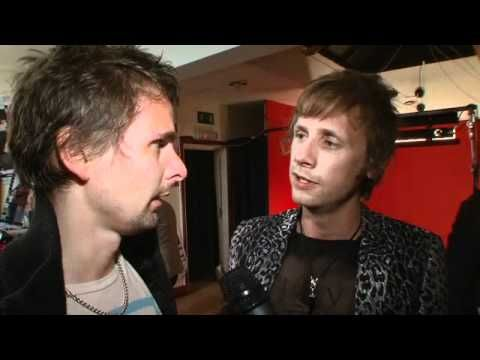Between Matt Bellamy drunk, Deadmau5 drunk and me drunk, we would put on quite the entertainment. Me thinks.