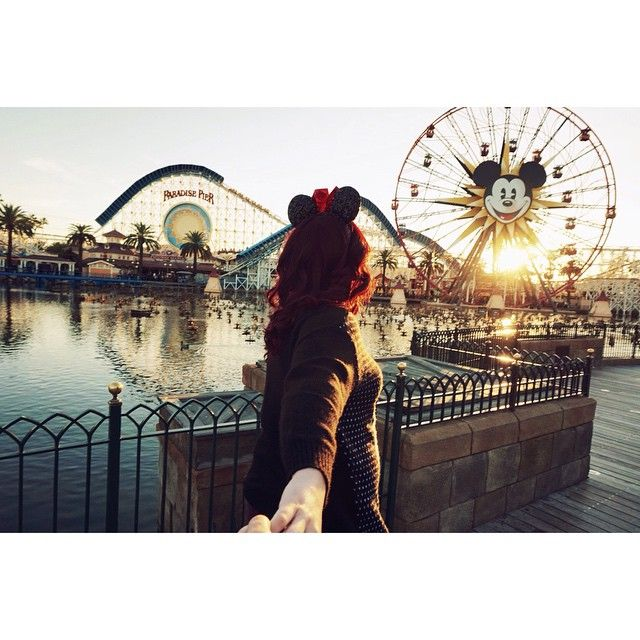Pin for Later: 19 Cute Photo Ideas For Couples Headed to Disneyland Headed to the Boardwalk