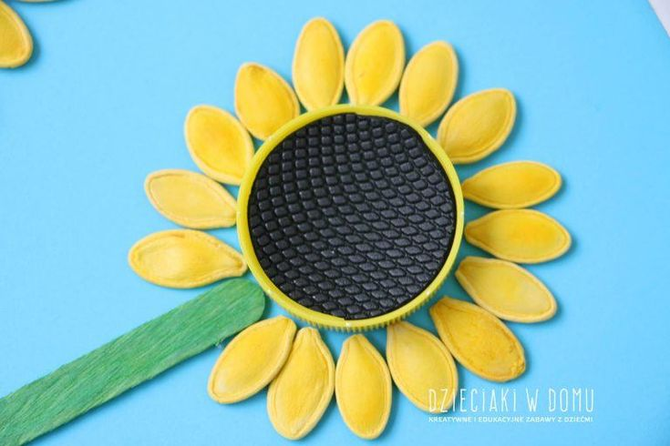 Sloneczniki Z Pestek Dyni Dzieciaki W Domu Spring Crafts Diy Gifts Crafts